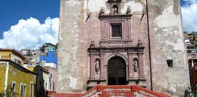 One of Guanajuato's Many Little Churches